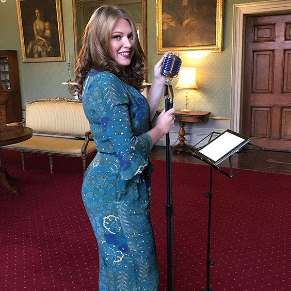 Amy Matthews wedding singer